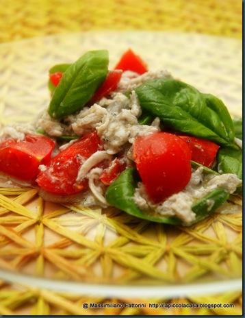 bianchetti alla melissa con insaltina di pomodori piccadilly e foglioline di basilico