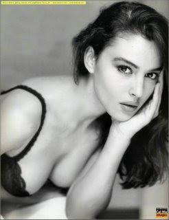 Monica Bellucci Model Bugil, gambar model barat hot, 12.jpg