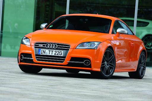 2010-Audi-TTS-1.jpg