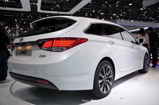 2011-Hyundai-i40-4.jpg