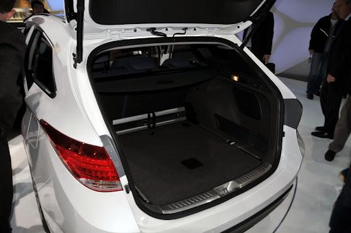 2011-Hyundai-i40-8.jpg