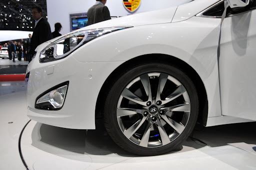 2011-Hyundai-i40-6.jpg