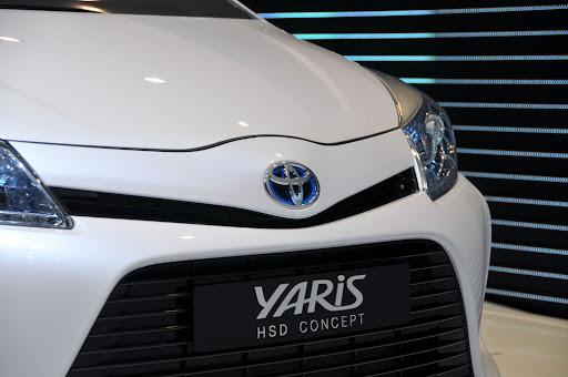 2012-Toyota-Yaris -HSD-01.jpg