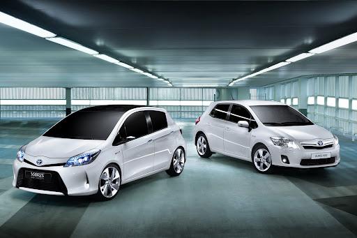 2012-Toyota-Yaris -HSD-13.jpg