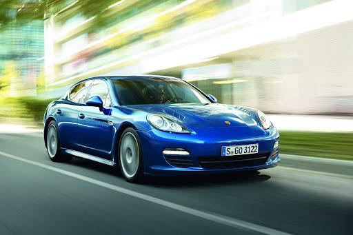 2011-Porsche-Panamera-S-Hybrid-01.jpg
