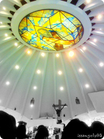 Greenbelt Chapel in Makati (interior)