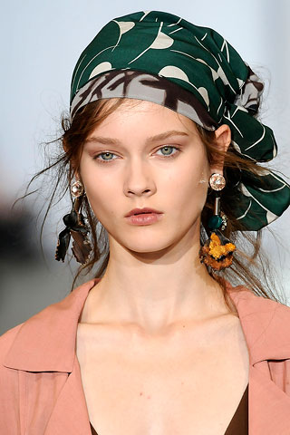 Head Scarf Trend  Fashion CraZ Head Scarves Fashion Trend