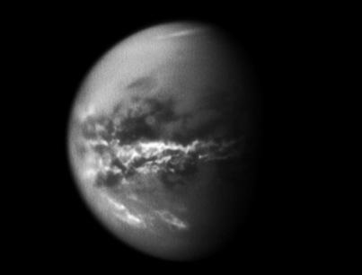 nuvens equatoriais em Titã
