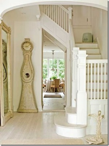 Traditional_Home_entry_stairs