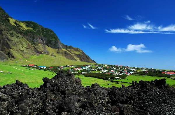 isla mas remota del mundo