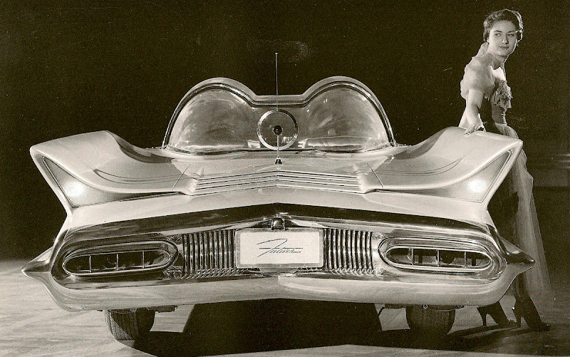 http://lh3.ggpht.com/_hVOW2U7K4-M/TTPju43EM7I/AAAAAAABaSU/ZyLQEC3SIAs/s800/1955 Lincoln Futura (Ghia).jpg