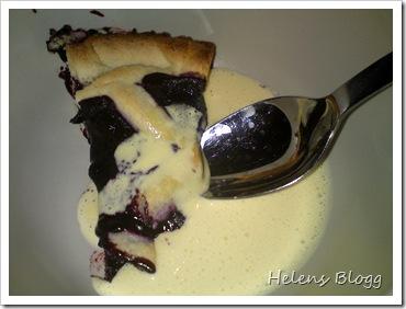 Blåbärspaj med (Valio laktosfri) vanilj sås