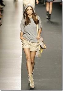 Sportmax-Podium-spring-fashion-2010-024_runway