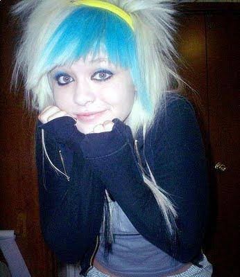 Modern Emo Hair Styles: Modern crazy blue short hairstyles 2010