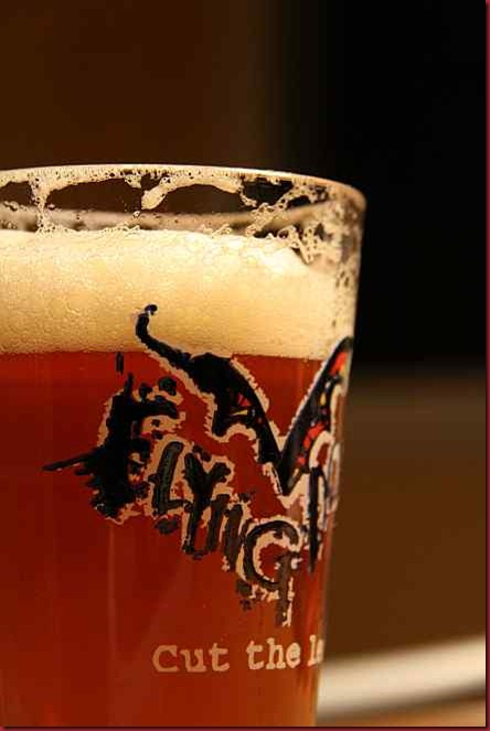 Flying_Dog_Snake_Dog_IPA_glass