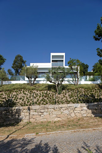 Contemporary Residence in Portugal