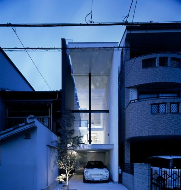 Inspirational design minimalist narrow house in japan for Minimalist narrow house plans