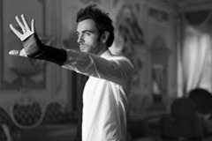 1be25_Marco-mengoni-re-matto