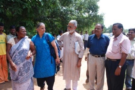 Magsaysay Award winner Deep Joshi visits Yuva project area
