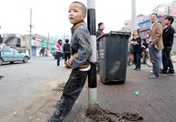 alg_china_chained-boy
