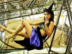 Antonia Fontenelle fotografa para Yuri-250