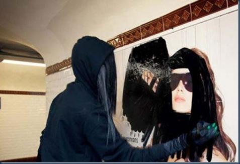 Princess Hijab, l'artista che mette il velo alle pubblicità6