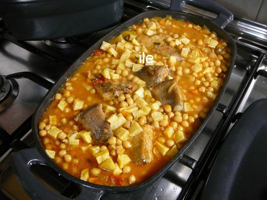 Cazuela de bacalao y garbanzos la cocina de ile for Cocinar cocochas de bacalao