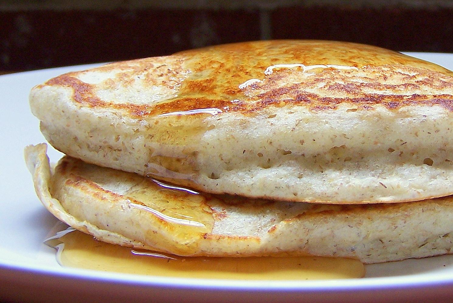 KitchenLab: Buttermilk Rye Pancakes