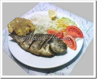 Como preparar arroz con pescado frito y ensalada