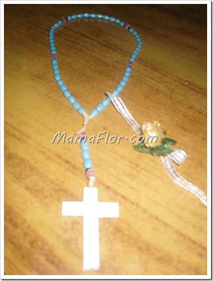 Como hacer un rosario con perlas de hojuelas y acrilicos