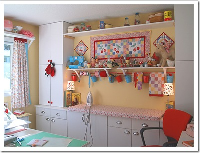 happyzombie-craft-room_w609