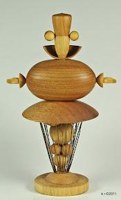 Figur 11c - Tänzer mit Goldkugel 2