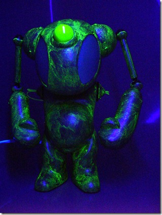 mikeslobot_spaceace7_blacklight1b