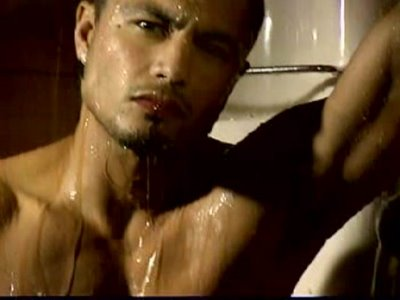 Derek Ramsay shirtless