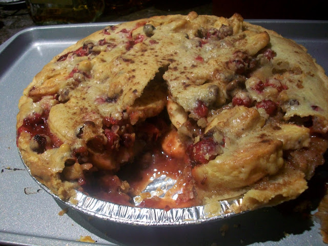 Cranberry Apple Pie/Cranberry Nut Cake