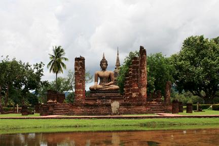 IMG_8545_Sukhothai_Buddha_pond_4x6x72.Rowuiun2y4R0.jpg