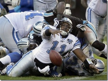 large_081116-daunte-culpepper-gets-face-masked-vs-panthers