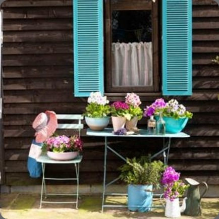 housetohomeonlinegardens colors outdoors small place style