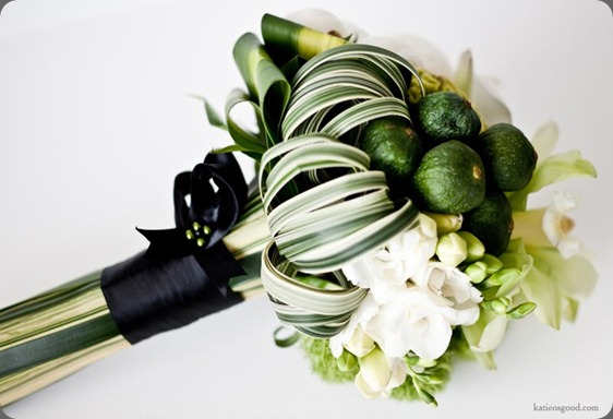 green-yellow-billy-ball-bouquet-brooklyn-wedding-flowers merci new york