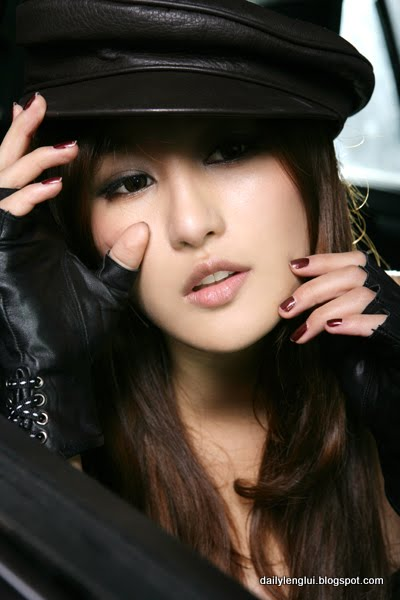 Liu Yuqi (刘羽琦)