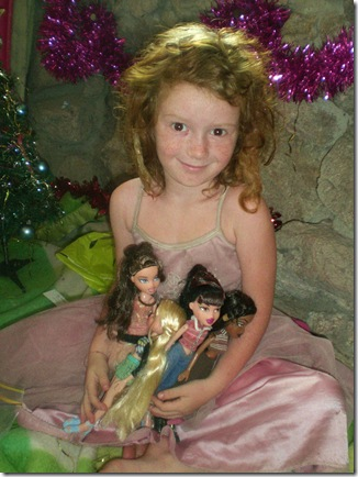 65 xmas morning  bratz