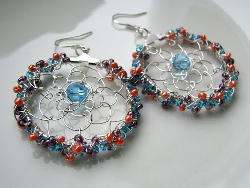 sead beads, wire, swarovski, earrings