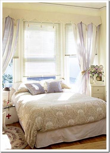 cama-sob-janela