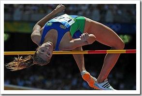 mulher salto em altura