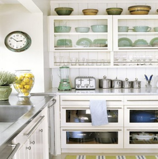Celadon 42 accents in the kitchen (Decorpad.com)
