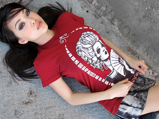 vampy, vampy bit me, toysrevil, kidrobot shirt, tokidoki shirt, hot asian cosplay