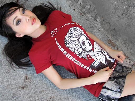 vampy, vampy bit me, toysrevil, kidrobot shirt, tokidoki shirt, hot asian cosplay