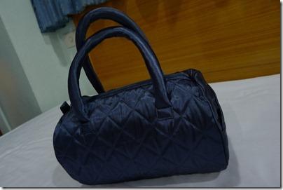 Naraya hand pouch