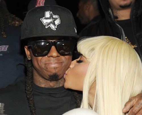 Lil Wayne aparece no aniversário da Nicki Minaj