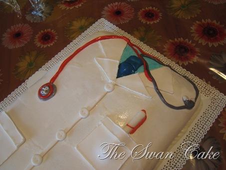 The swan cake torta laurea in medicina for 12x12 piani di coperta autoportanti